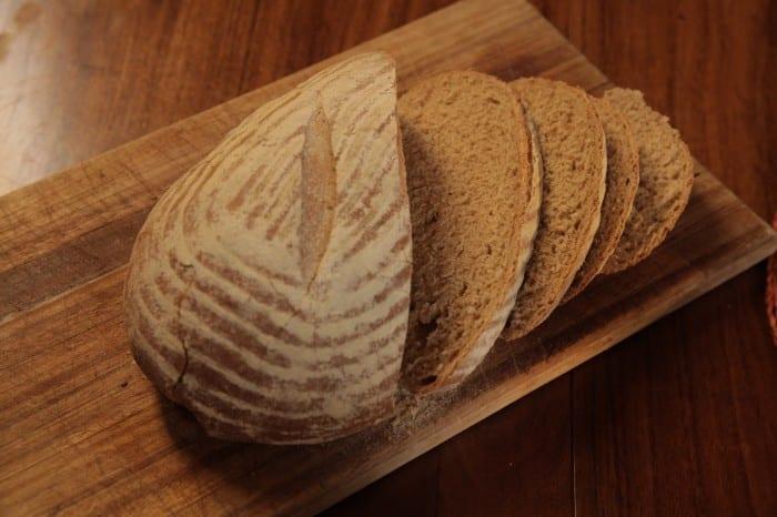 PLUS003 IMG007 bread 700x466