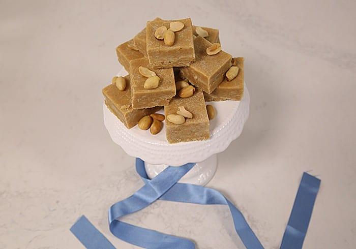peanut butter fudge 700x490