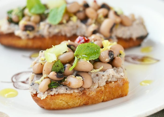 spicy red beans with mushrooms and lentils