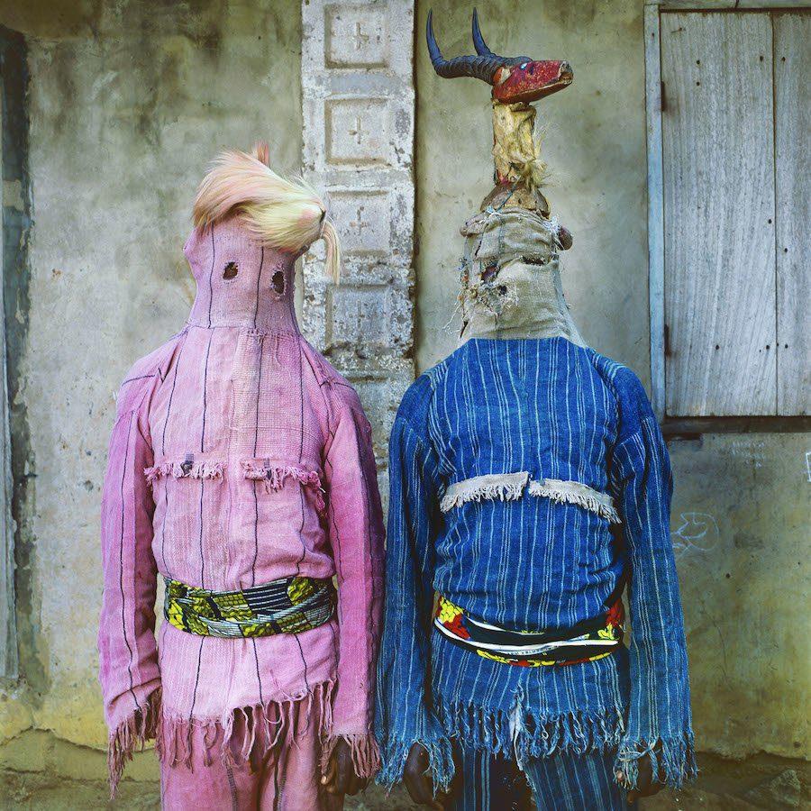 Phyllis Galembo Maske Akata Dance Masquerades